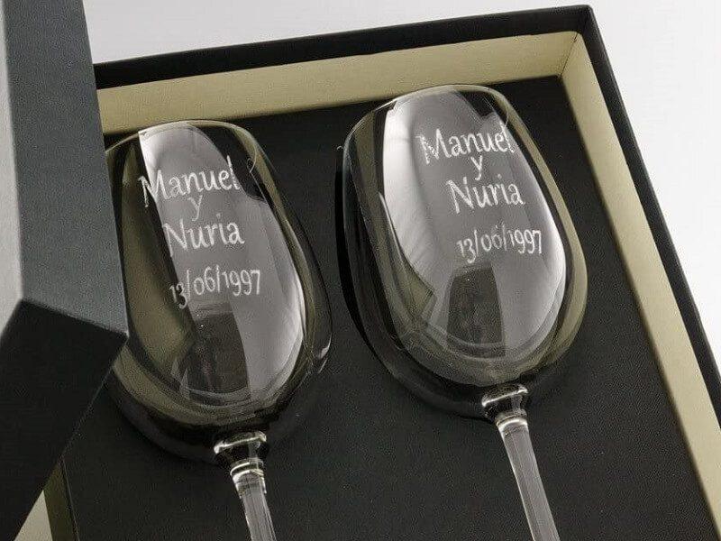 Estuche de dos copas de vino personalizadas